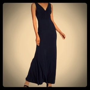 Vera Wang Sleeveless Twist Front Gown, navy